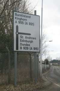 A955 roadsign approaching from  Wemyss and Methil
